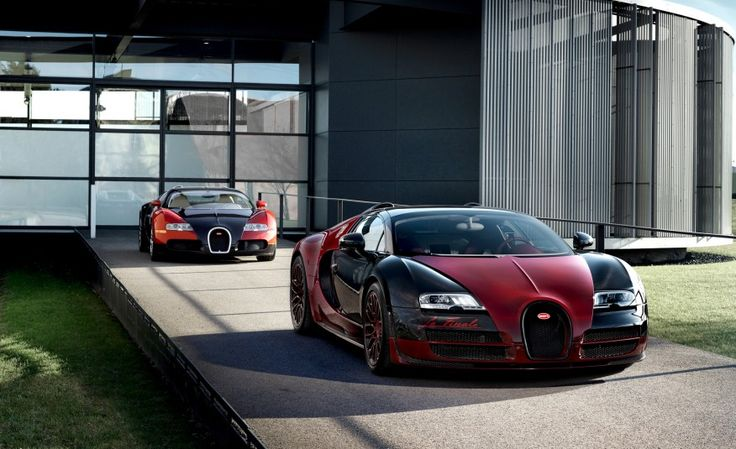 2017 Bugatti Chiron: The $2.5-million, 1500-hp Son of Veyron - Photo Gallery of Feature from Car and Driver - Car Images - Car and Driver