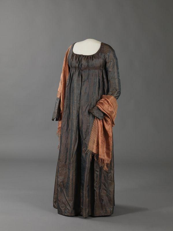 edwardian-time-machine: fashionsfromhistory: Evening Dress 1815 Norway Digitalt Museum so beautiful!!