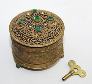 Jeweled / Musical Powder Box - OLD