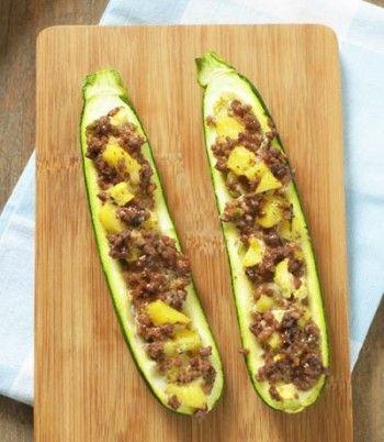 Gefüllte Zucchini mit Feta Hackfleisch und Ananas