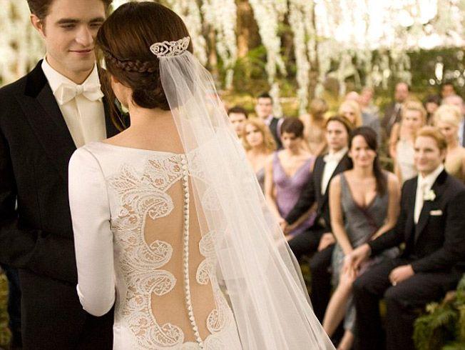 Repaso de los vestidos de novia más emblemáticos del cine y la series de televisión: Gossip Girl, Una cara con ángel, Guerra de novias, Crepúsculo...