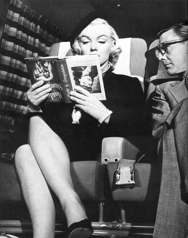Marilyn Monroe Living Room Decor: Marilyn Monroe Reading (holding The Book Upside Down Was A