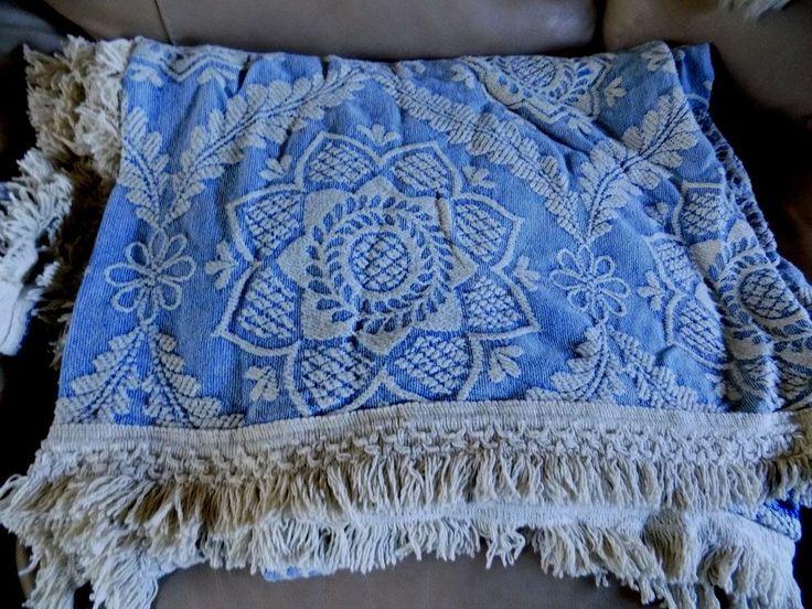 Vtg beautiful Morgan Jones Matelasse Bedspread Queen Elizabeth style, Queen size