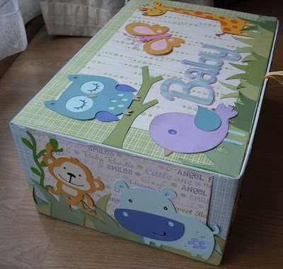Souvenirs baby box.. this is a good tutorial. I want to make something like this for Lyla. I need one already.. lol