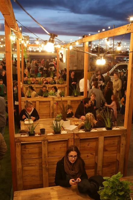http://www.weekendnotes.com/food-trucks-come-to-chadstone/