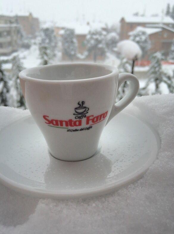 Buongiorno!!! Oggi meglio stare a casa e godersi un buon caffè !!! www.santafaracaffe.it #ilcultodelcaffe