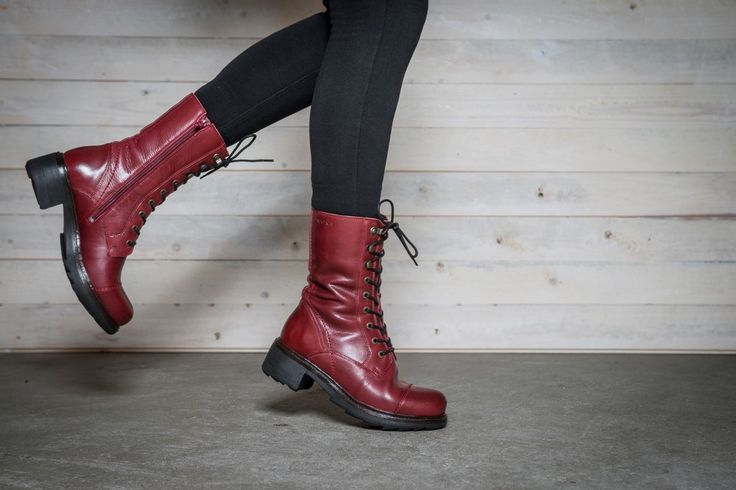 CLOE Lace boot via Ten Points webshop. Click on the image to see more!