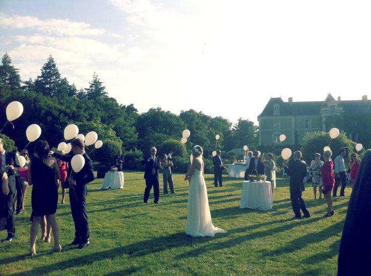 Laché de ballons - Mariage au Château de Chambiers Durtal