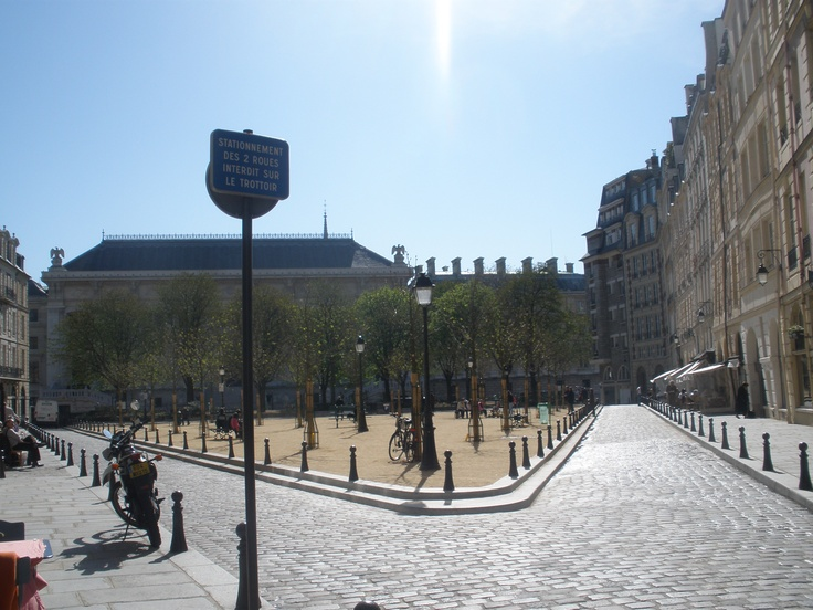 A beautiful clear day in Paris