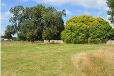 Carterton walk to train 2.76 acres