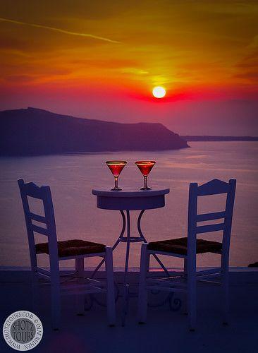 Cocktails at sunset, Firostefani, Santorini. © SantoriniPhotoTours / Olaf Reinen