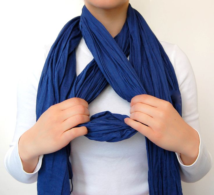 Картинки как завязать шарфик взялась разбирать
