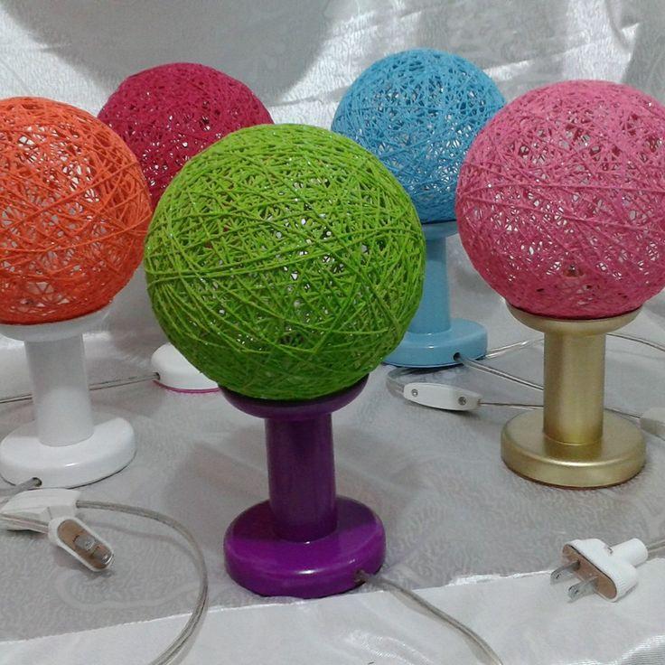 Se venden bellas lamparas de hilo y madera ideales para for Lamparas y plafones de pared