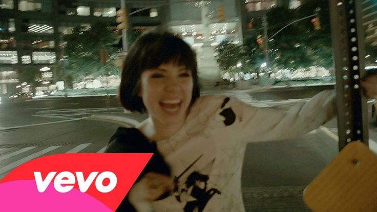 Carly Rae Jepsen - Run Away With Me - Chilled, positive and fun! From new album E·MO·TION