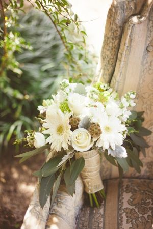 North Carolina Wedding Sourced from Antique Shops | Ruffled