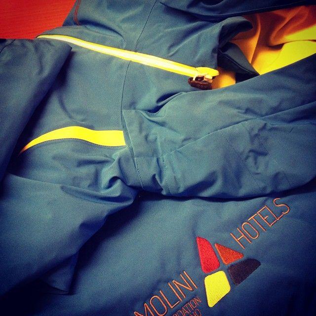 #ricamopersonale #giacchepersonalizzate #ricamohotel #hotelsporting #gallweb #livigno