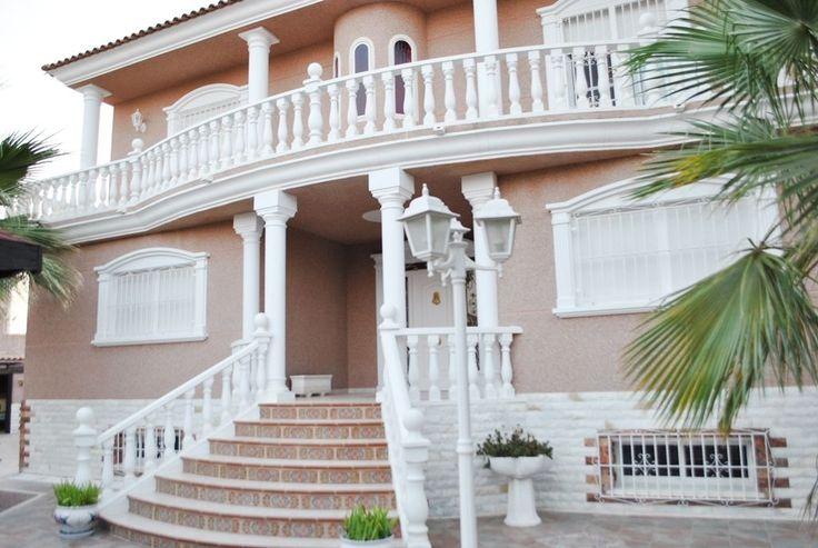 Casa / Chalet en Alicante / Alacant Nº de referencia:C1713 549.000€ Imprimir página Compartir Simulador de Hipotecas Presentación Multimedia Fotos Mapa NOVEDAD Detalle inmueble Tipo de propiedad:Casa / …
