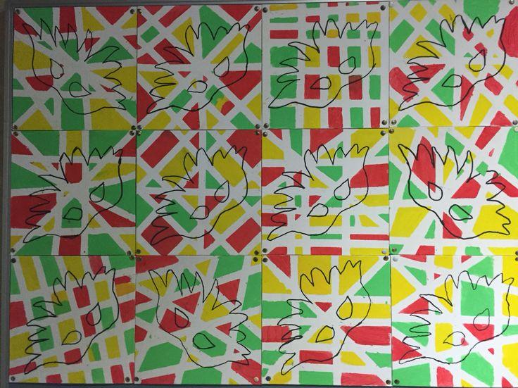 Eindresultaat carnavalsopdracht:  Stappenplan:  1) masker tekening op schilderij. 2) plakband Kris kras plakken 3) de verschillende vakken verven 4) laten drogen 5) plakband verwijderen  6) masker overtrekken met zwarte stift.