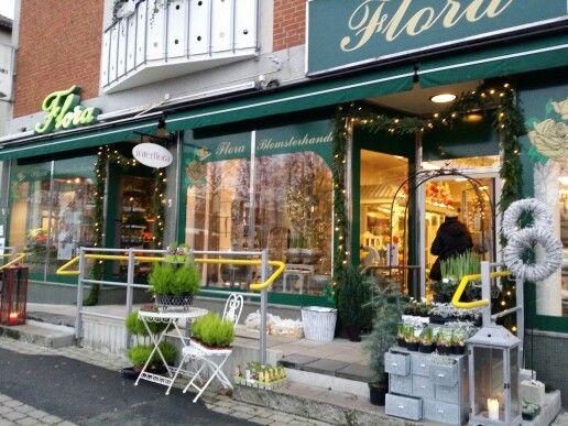 Osby #Sweden butik #FloraBlomsterhandel #Flowershop #Followme #Lovemyjob #Salesrep.