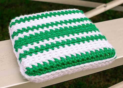 Ravelry: Stadium Seat Cushion pattern by Kara Gunza
