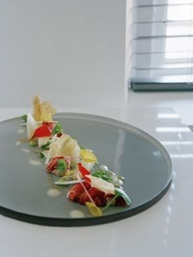 Lauwwarme asperges met kreeft, gorgonzolacrème en kruidensalade - Taste Inspiration !