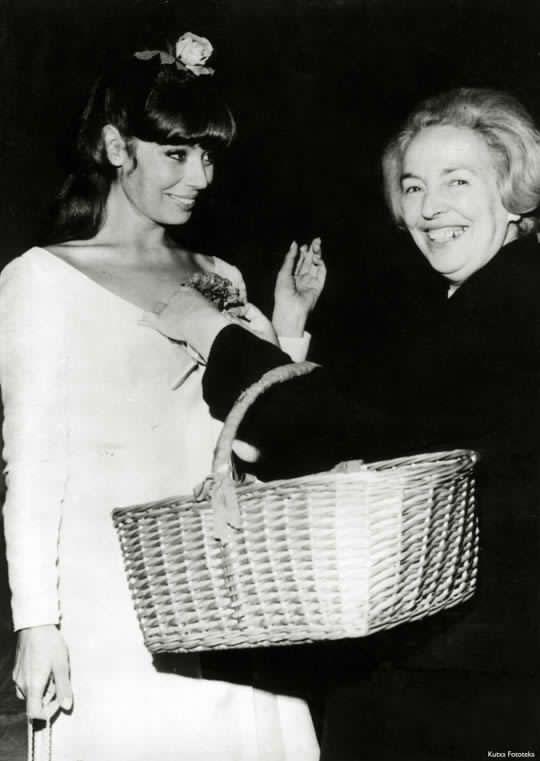 Nuria Torray y Escolástica, 1964.
