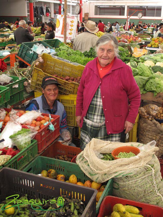 Si vives en #Zipaquirá Realmente Mágica o piensas visitarnos este fin de semana, no puedes perderte el Mercado Campesino Regional. Domingo 26 de Julio desde las 9:00 de la mañana en la Plaza de los Comuneros. #Zipaquiráturistica #FestivalSalinero2015 #Colombia #larespuestaesCOlombia