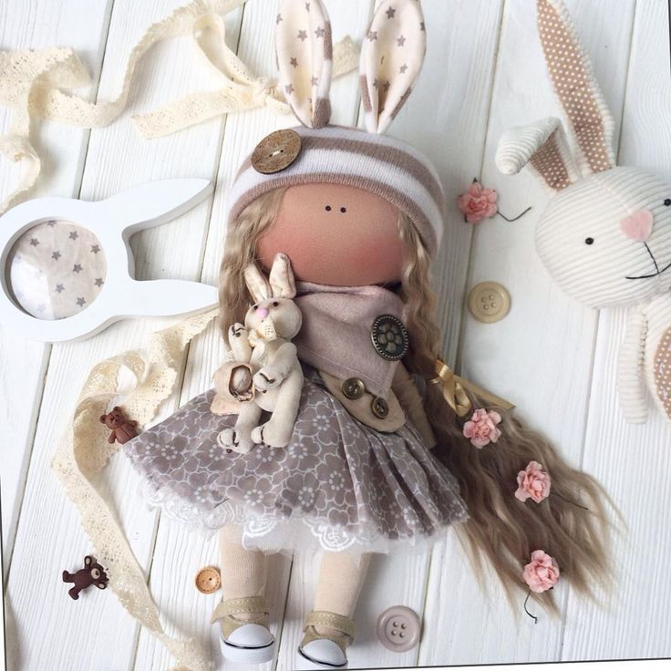 Девочка продается! Купить ее можно , написав мне в Viber или wa +79263693111,или direct! Doll for sale!#интерьернаякукла#тильда#ручнаяработа#кукла#текстильнаякукла#подарок#doll#dolls#handmade#интерьер#люблюсвоюработу#сувенир#souvenir#girl#hair#hous#gift#myart#art#dollinsta#hamdmadedoll#textiledoll#decor#homеdecor#babydoll#mywork#mypassion