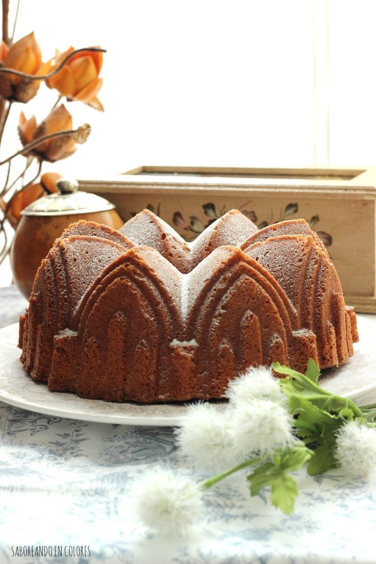 Este Bundt Cake de limón y queso es sencillamente delicioso y super esponjoso. Ideal para acompañar el té.
