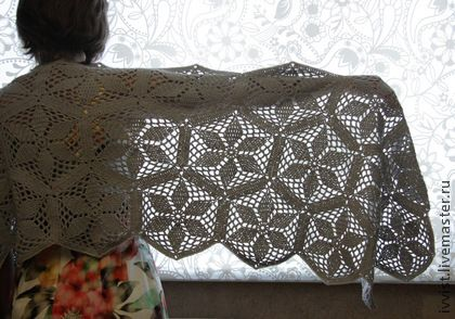 Crocheted shawl/tippet