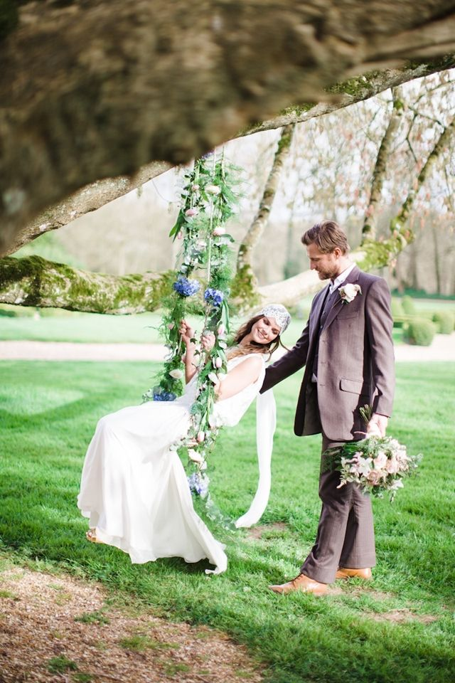 French bohemian elopement inspiration shoot | Cat Hepple Photography and @FRweddingstyle | see more on: http://burnettsboards.com/2014/06/romantic-french-boho-elopement/ #romance