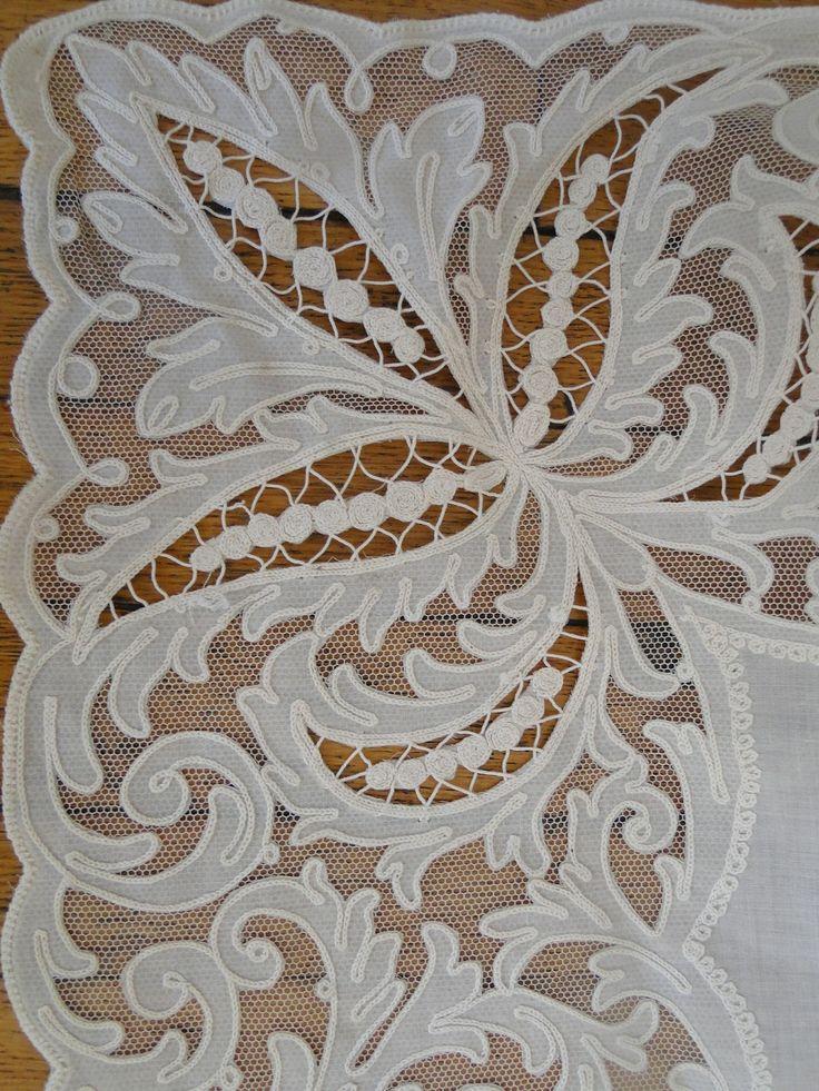 Buyer & Seller of Antique Lace, Fine Linens, Vintage Clothing, Haute Couture, Textiles, Fans: Antique Linens: Tablecloths