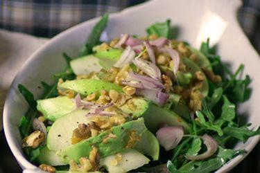 Avocado, apple and rocket salad – Recipes – Bite