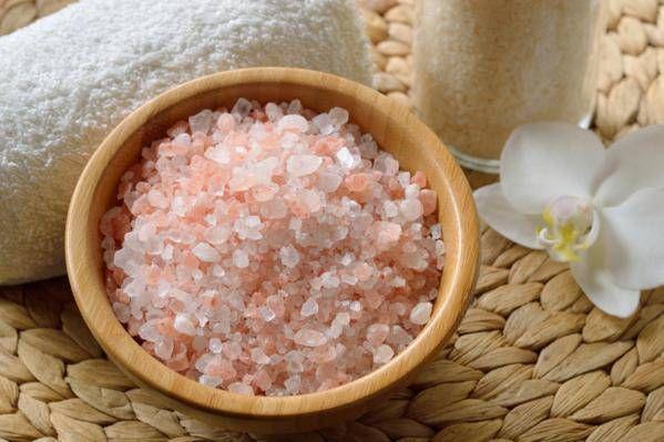 Les incroyables bienfaits du sel rose de l'Himalaya Avez-vous déjà entendu parler des incroyables cristaux du sel rose de l'Himalaya qui viennent directement