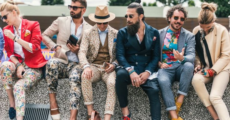 Rullo di tamburi: il taglio del nastro dell'evento più importante della moda maschile italiana si avvicina. Dal 12 al 15 Gennaio alla Fortezza da Basso inaugura la 89esima edizione di Pitti Uomo, in cui Firenze diventa il fulcro della creatività italiana e internazionale. La parola chiave di questa edizione è 'Generation(s)', una dedica alla simultaneità di tante generazioni diverse nella moda e negli stili di oggi. Come gli organizzatori specificano: 'Pitti Generation(s) racconterà con…