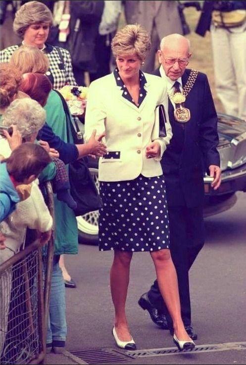 (13) Princezna Diana (Princess Diana) 2 új fényképet... - Princezna Diana…