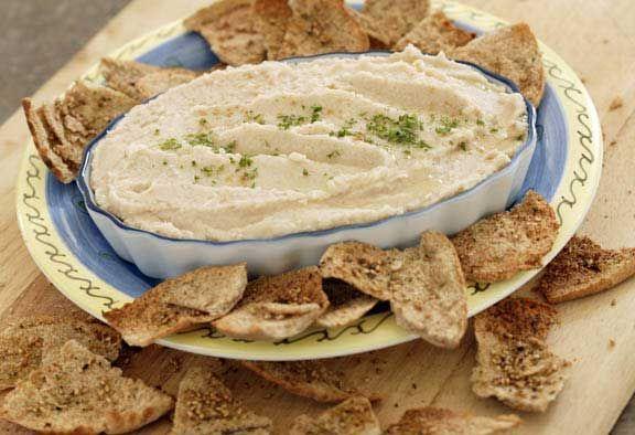 Knockoff Trader Joe's White Bean Basil Hummus