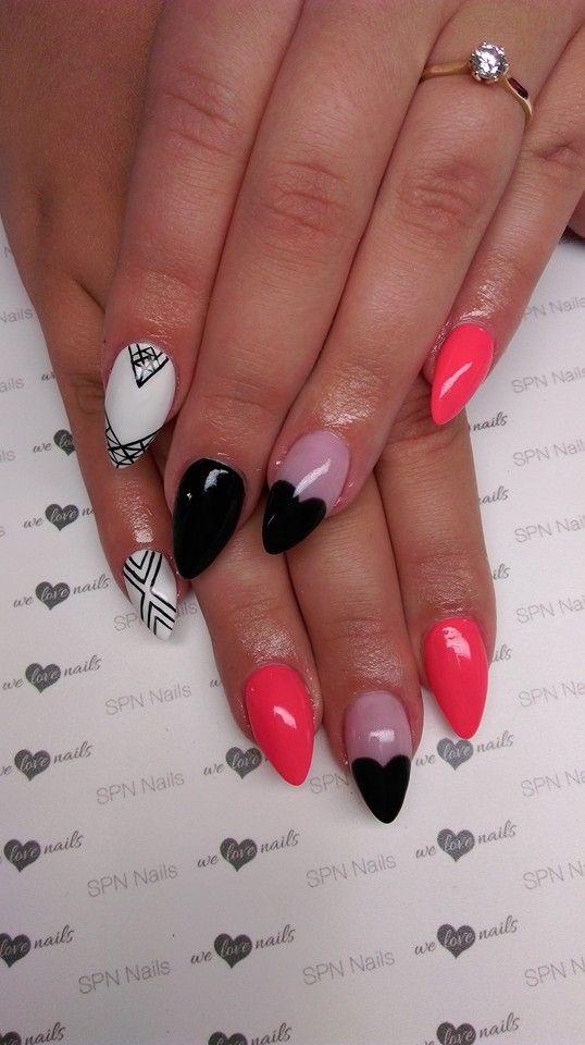 Jak ożywić czarno-białą stylizację? Neonowym akcentem   SPN UV LaQ 503 Black Tulip, 502 My Wedding Dress, 669 Neon Pink SPN Paint Gel Black Devil Nails by Daria Papiernik <3 #SPN #SPNnails #SPNlove #paznokcie #nails #inspiracje #inspirations #nailart #nailartdesign #love #heartnails