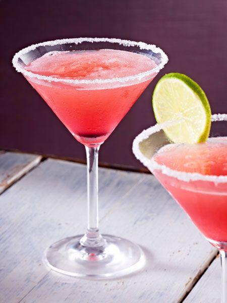 Alkoholfreier Cocktail aus Rosa Grapefruit und Limetten