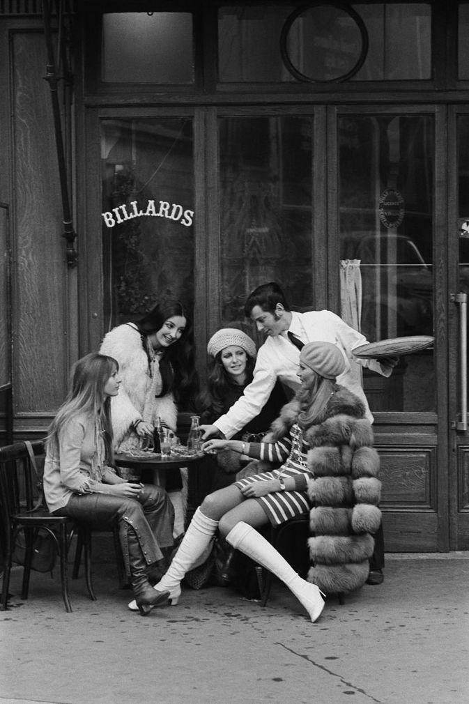 Pierre Boulat, Au bistrot, Paris, 1968.