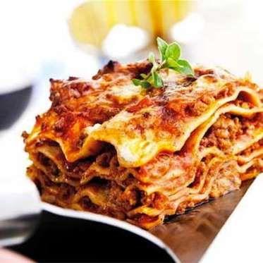 Voici une savoureuse lasagne éclair à la saucisse italienne prête en un tournemain, dont la saveur l... - Utilisé avec la permission de / © Rogers Media Inc. 2015