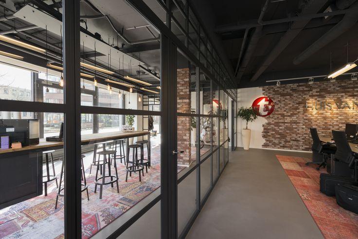 Het Tempo Team kantoor in Breda heeft een flinke restyling doorgemaakt! GewoonGers heeft hier de wanden en deuren mogen verzorgen. Alles samen vormt een prachtig totaalplaatje! #gewoongers #Rotterdam #vintage #vintagelook #robuust #photograph #interior #interieurstyling #kantoor #werksfeer #office #styling #decorate #glass #glas #stalenpui #deuren #doors #stalendeur #poedercoat #custommade #maatwerk #project #nederland #industrieel #industrie #vormgeving #interieurarchitect #randstad