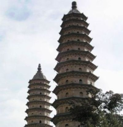 Twin Pagoda Temple (Shuang Ta Si), also known by the name 'Yongzuo Temple' (Yong Zuo Si), is located in the southeast of Taiyuan City, Shanxi Province. There are two 13-meter-tall pagodas standing in the temple, hence the name 'Twin Pagoda Temple'.