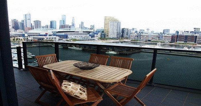 Located in the Docklands precinct, Docklands Prestige Penthouse Apartments offer luxury Melbourne accommodation with amazing views of Port Phillip Bay.  Docklands Prestige Penthouse Apartments Melbourne offer guest onsite facilities which include a fully equipped gymnasium, outdoor swimming pool and free onsite car parking.