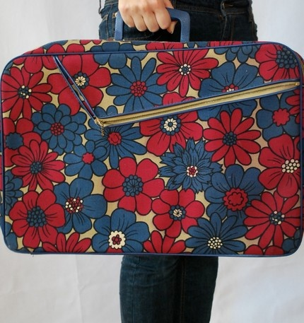 vintage floral suitcase 60s pattern...  anyone have one of these beauts around?  cool for the buffet table...