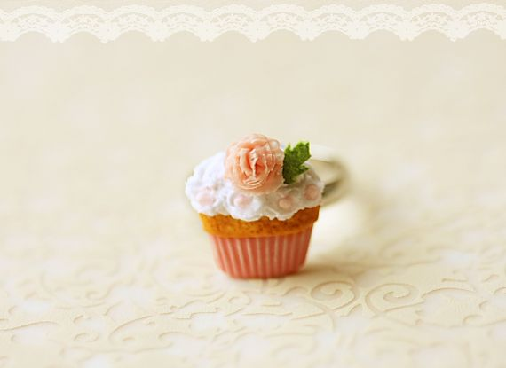 Dollhouse Miniatures, миниатюрный Еда Ювелирные изделия, канцелярские Классы: Еда украшения - Розовые розы Кекс кольцо