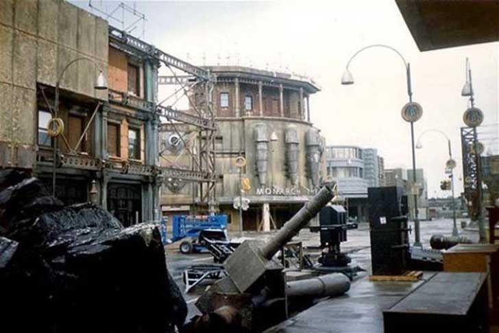 17 escenarios abandonadas de películas famosas. Parecen pueblos fantasmas  Bateman - 1989