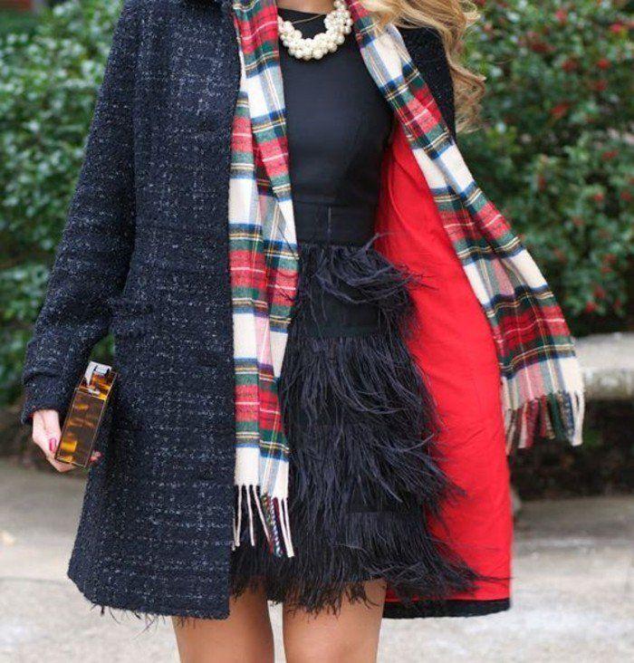 une tenue élégante et des accessoires originaux, manteau cintré femme à coupe élégante