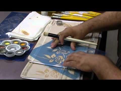 Nesse vídeo eu mostro como você pode criar o seu próprio stencil, e combinar também vários stencil em um único motivo, entre outras dicas, espero que tenham gostado. COMPARTILHE O AMOR PELA PINTURA.