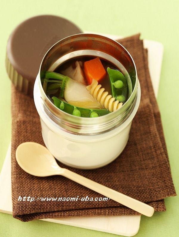 フードコンテナってスープにしか使ったことがない…そんな人におすすめの簡単時短レシピや、サーモスや象印のフードコンテナの特長をそれぞれご紹介します。フードコンテナを上手に使いこなして、毎日の食卓やお弁当で役立ててください!